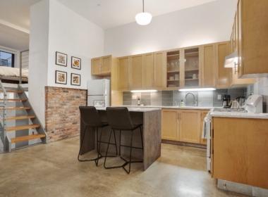 39 Carroll St #1 kitchen