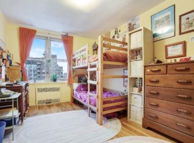 715 Ocean Pkwy #4G 2nd bedroom