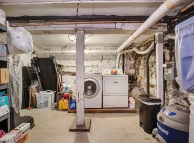 123A 2nd Pl laundry