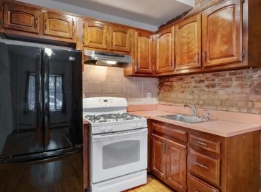 186 W 9th kitchen 2