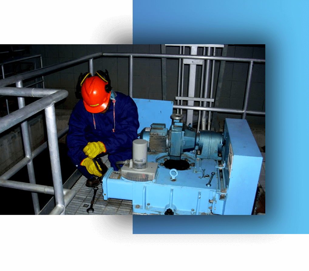 RockWater Inspecting clarifier drive