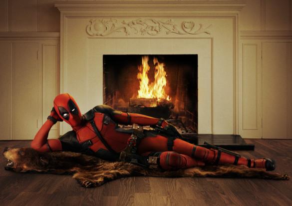 Ryan-Reynolds-Official-Deadpool-Movie-Costume-First-Look