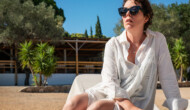 Movie Review (London Film Festival): Olivia Colman gives a powerhouse performance in Maggie Gyllenhaal's hypnotic The Lost Daughter