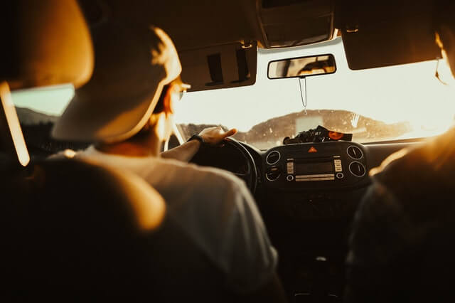 What to Do After a Car Crash (A Quick-Reference Guide for Teens)