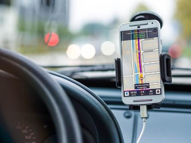 uber car accident phone navigation
