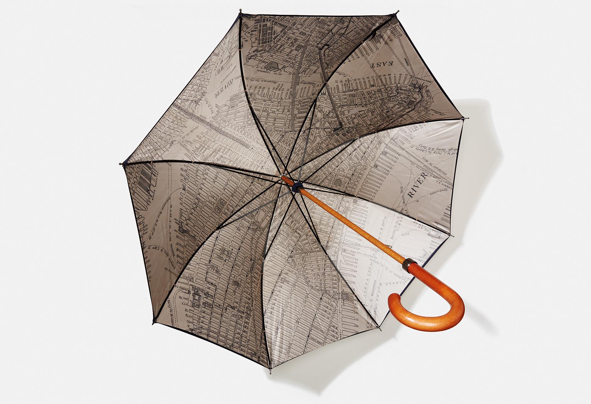 LondonUndercover_Umbrella_002