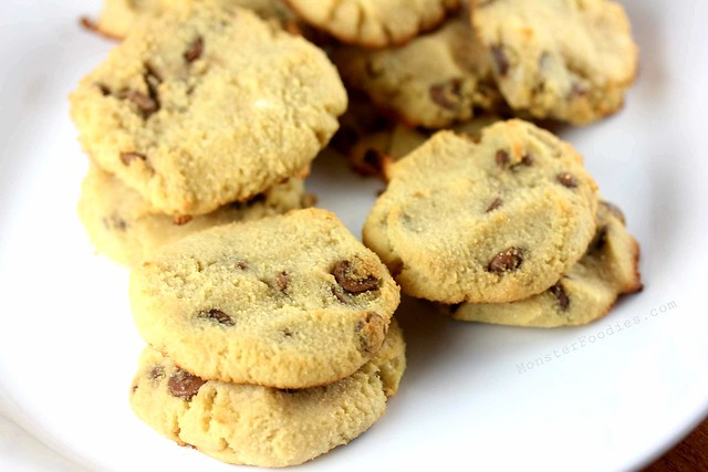 Coconut Flour Chocolate Chip Cookies