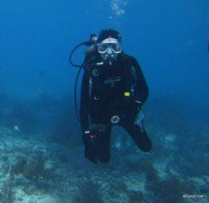 Melinda Crow scuba dive