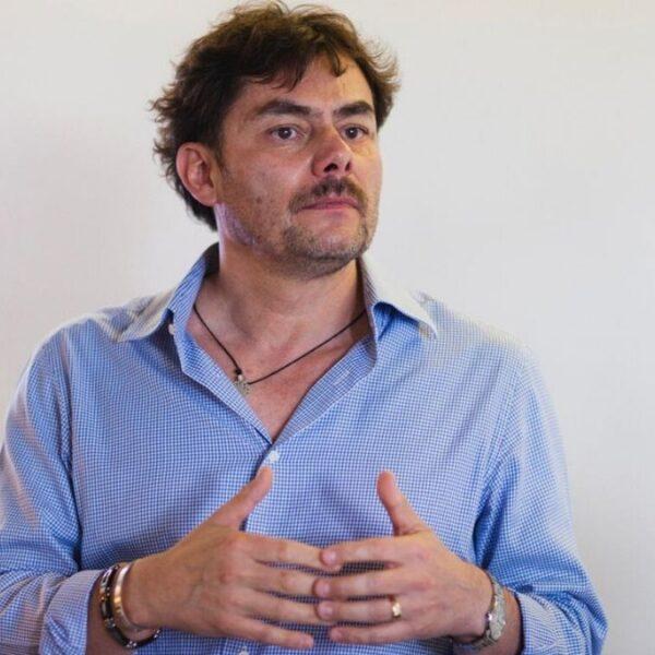 Enrique López, dueño de la Finca Chelín, en Oaxaca.