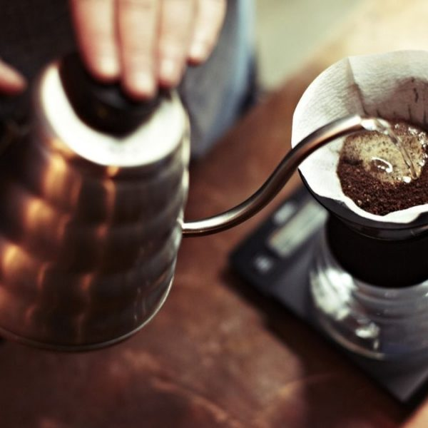 Pre infusión del café en métodos de goteo.