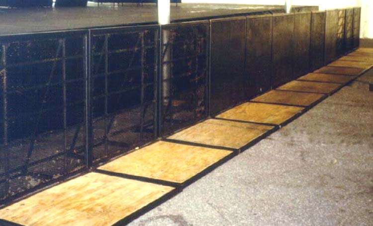 concert-barricade-with-screen-panels