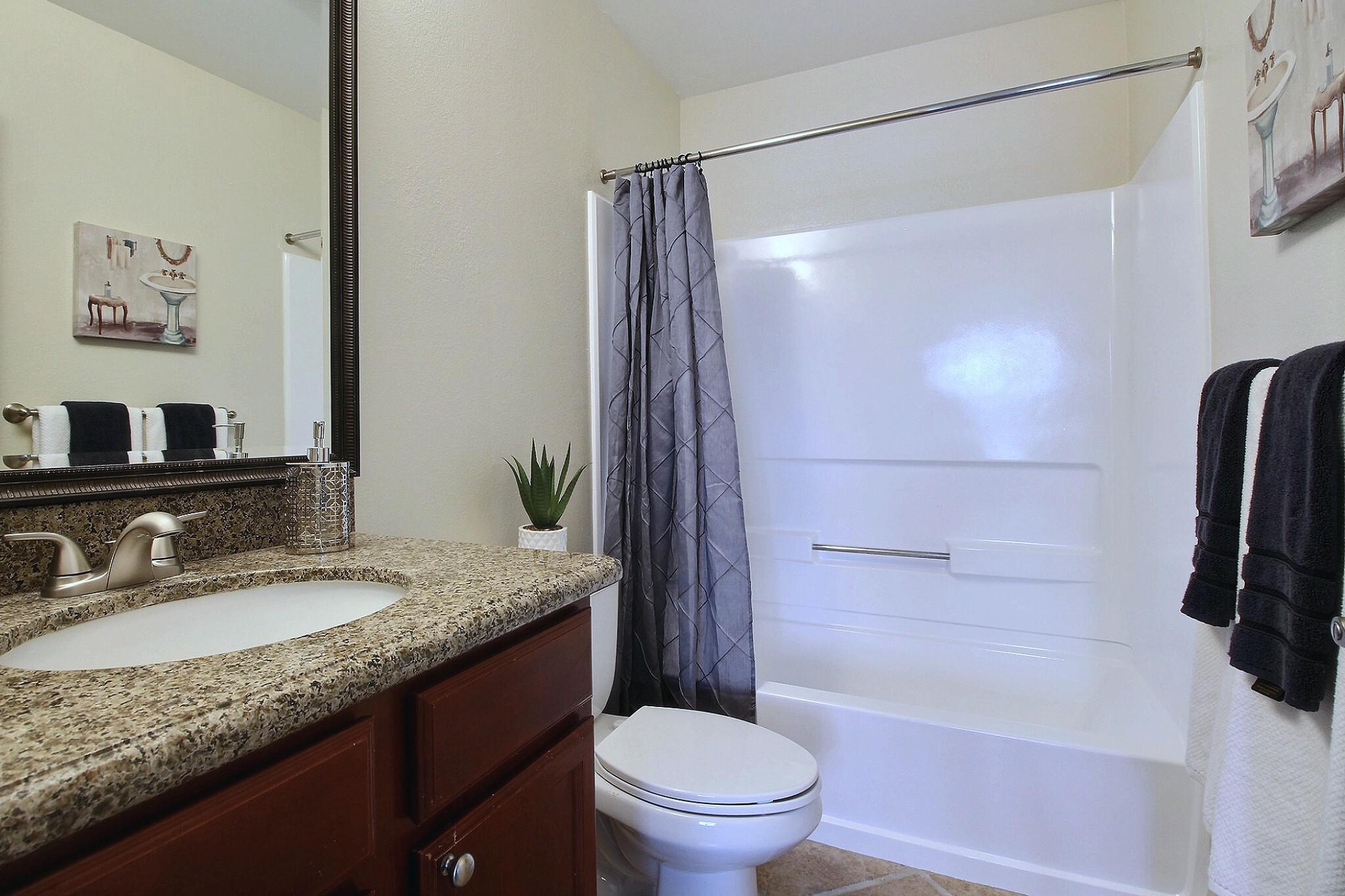 exposio_06_master_bathroom_01_973_catkin_ct_s