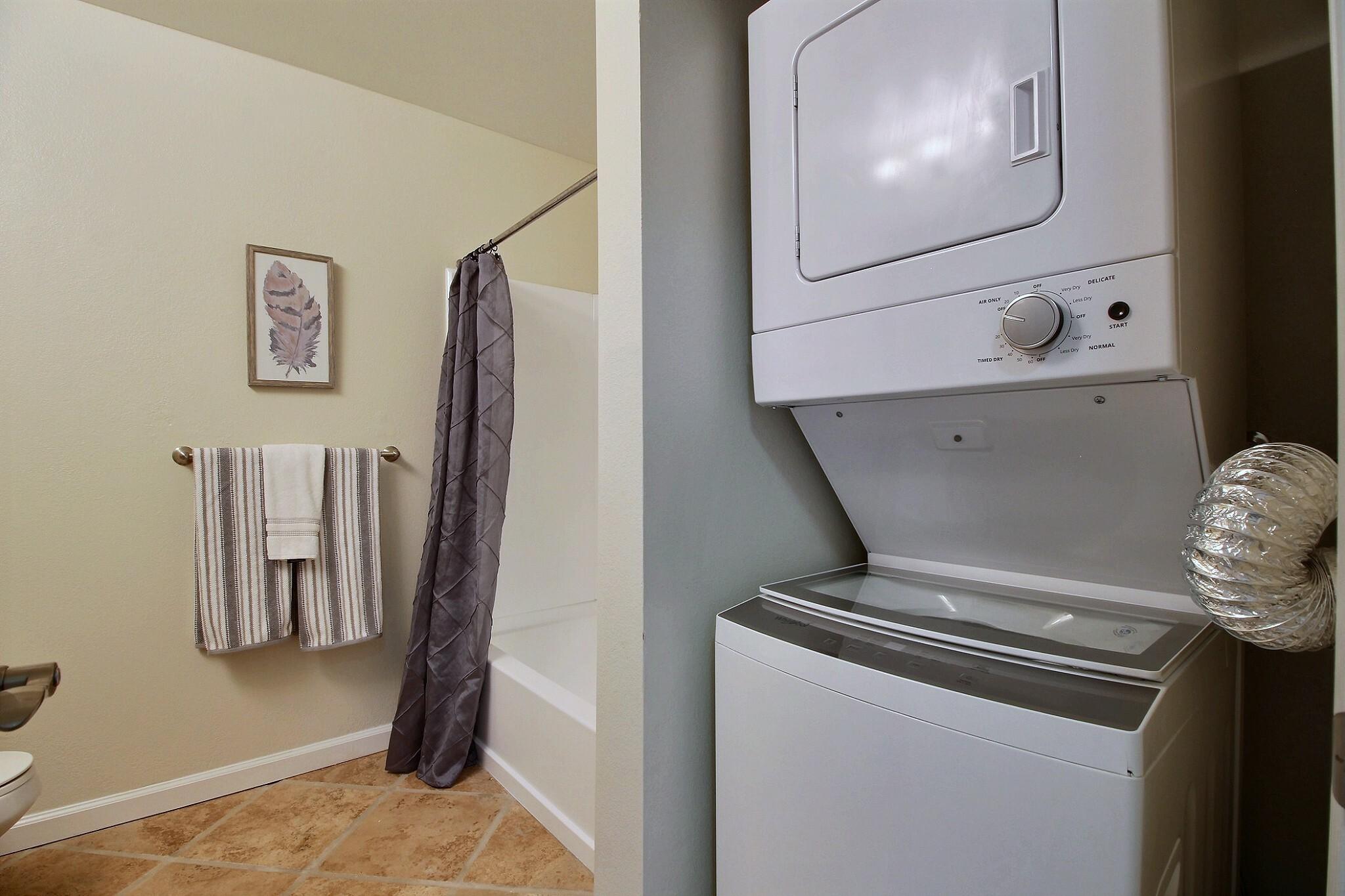 exposio_10_laundry_room_01_973_catkin_ct_s