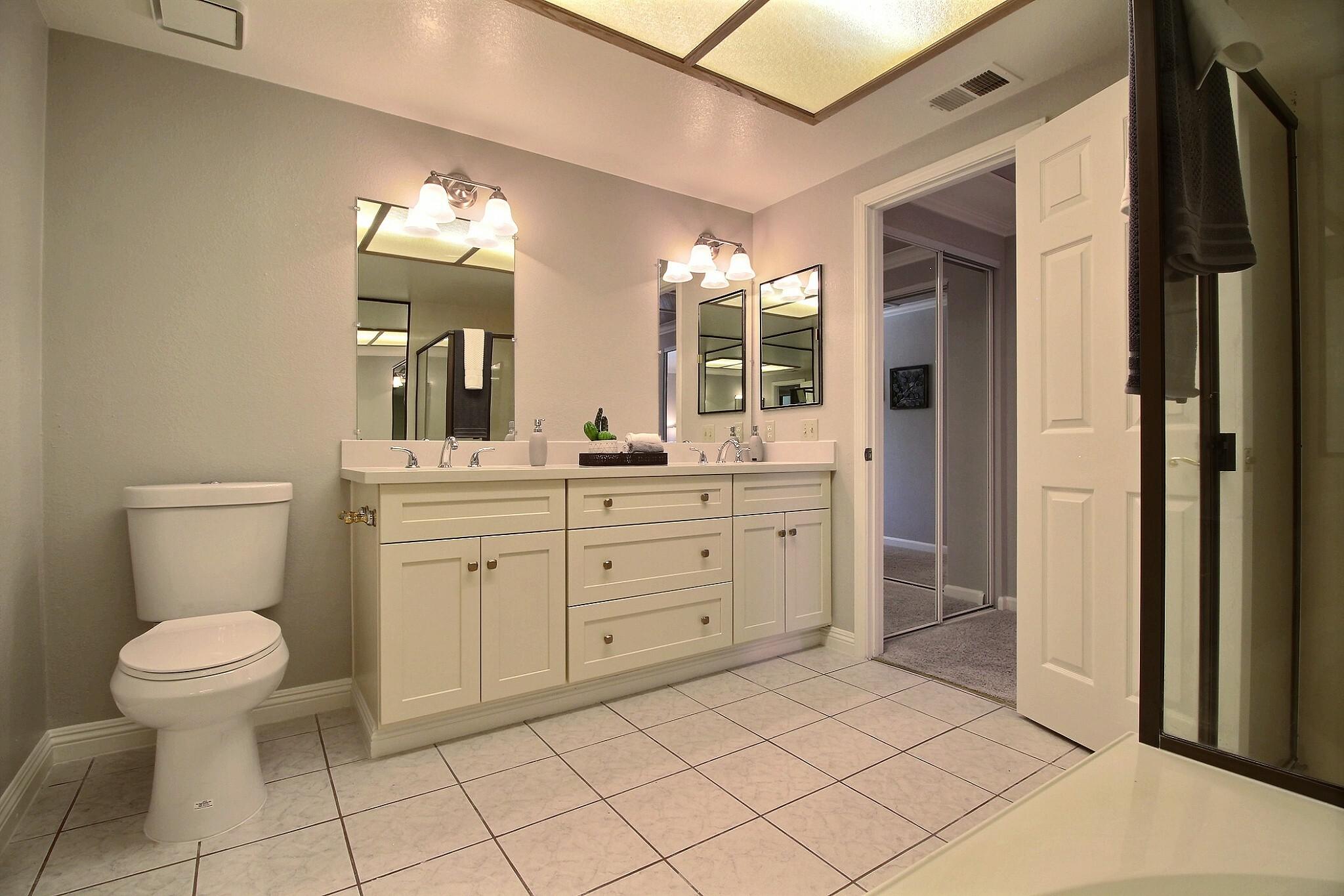 exposio_09_master_bathroom_04_2433_wildhorse_