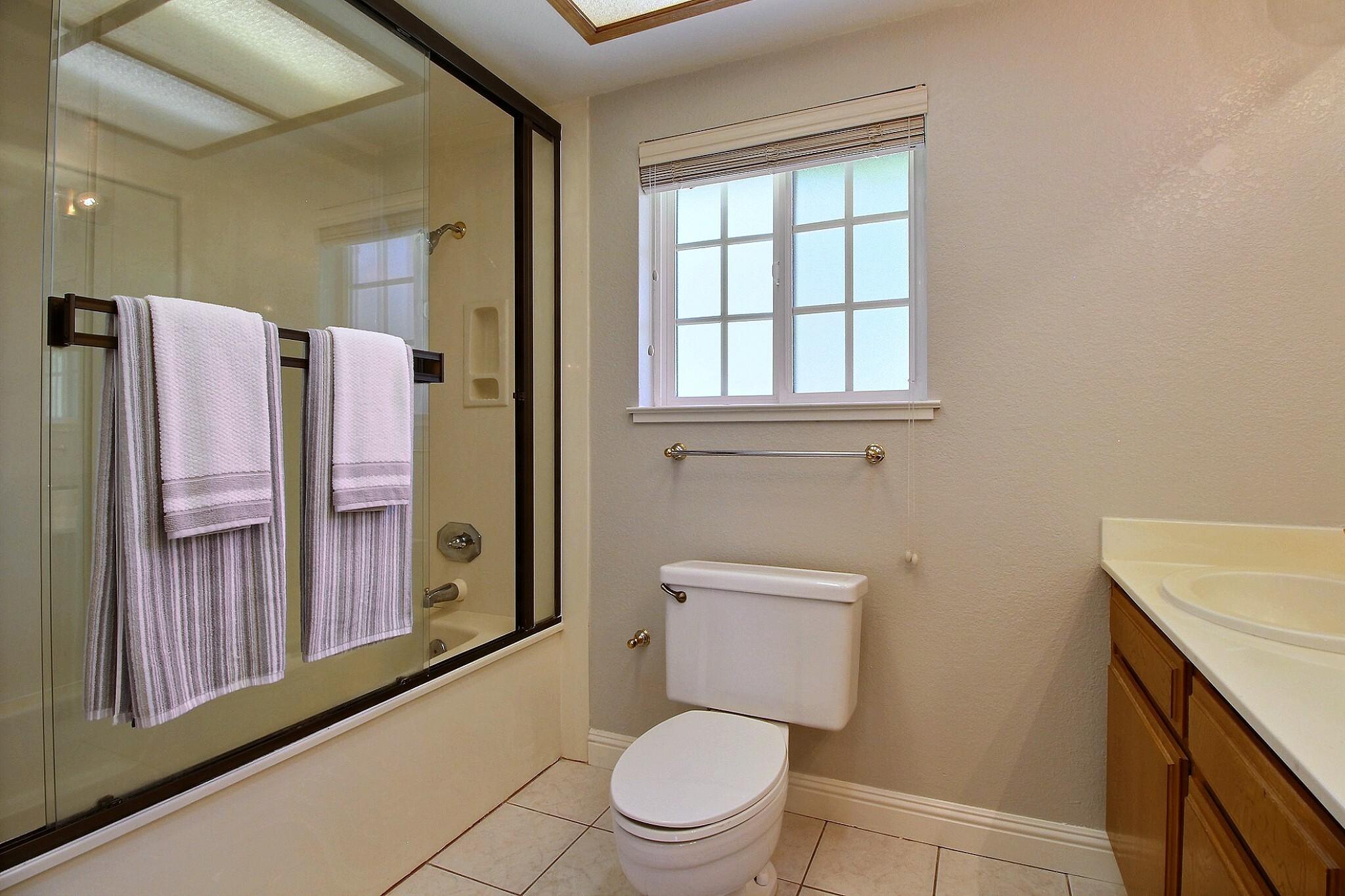 exposio_14_bathroom_2_02_2433_wildhorse_