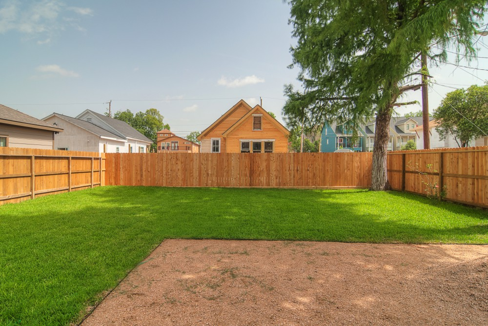 1202 Dart backyard 1