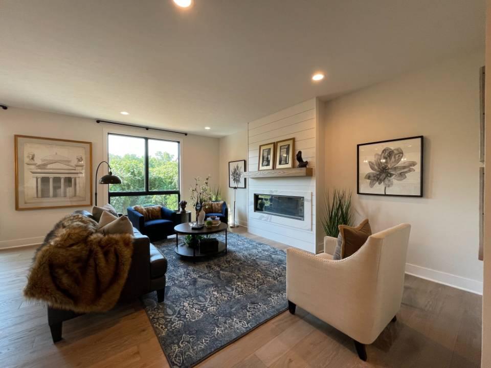 Riverwalk - Modern Riverfront Home