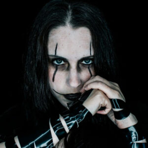 Genderbent Eric Draven Cosplay from The Crow