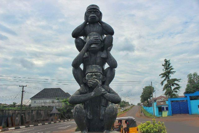 see-no-evil-hear-no-evil monkey art in enugu