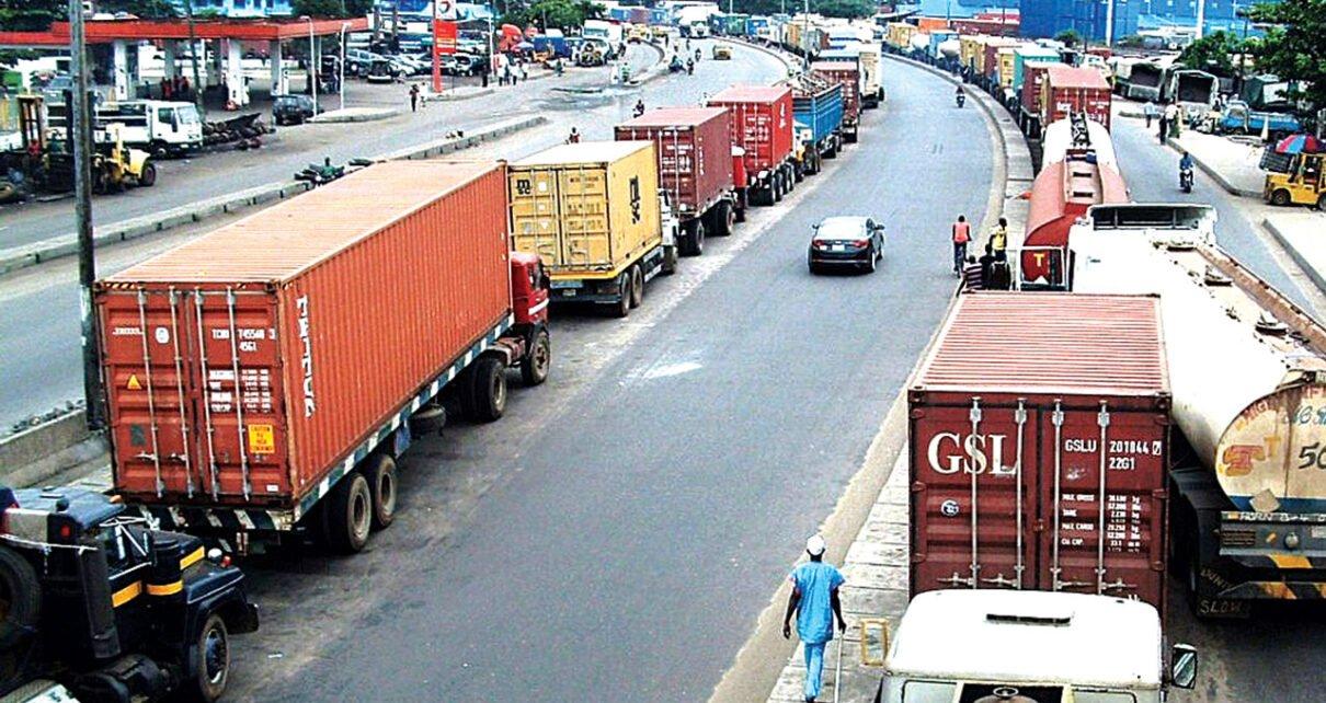 Nigeria suspends cargo trade