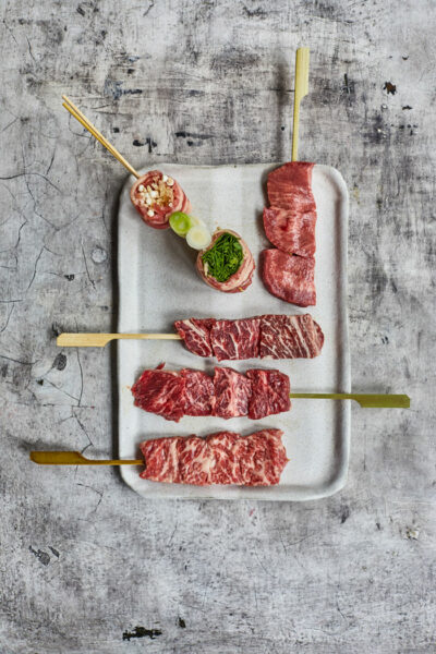 Tenho_Skewers_The_Meat