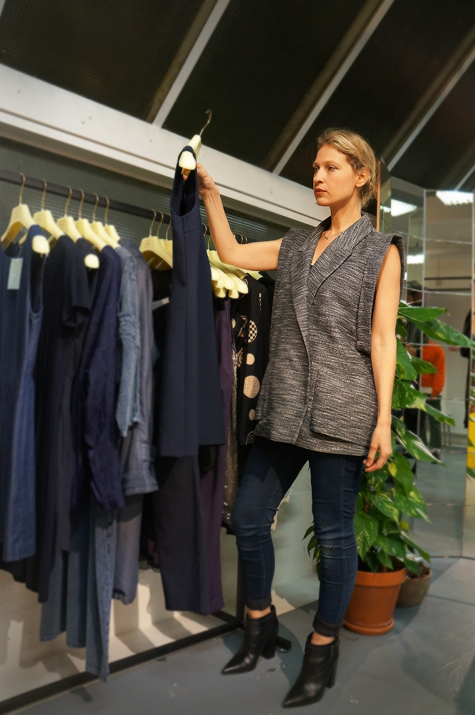 "Victoria Onken is wearing grey ""Carin Wester"" blazer while shopping"