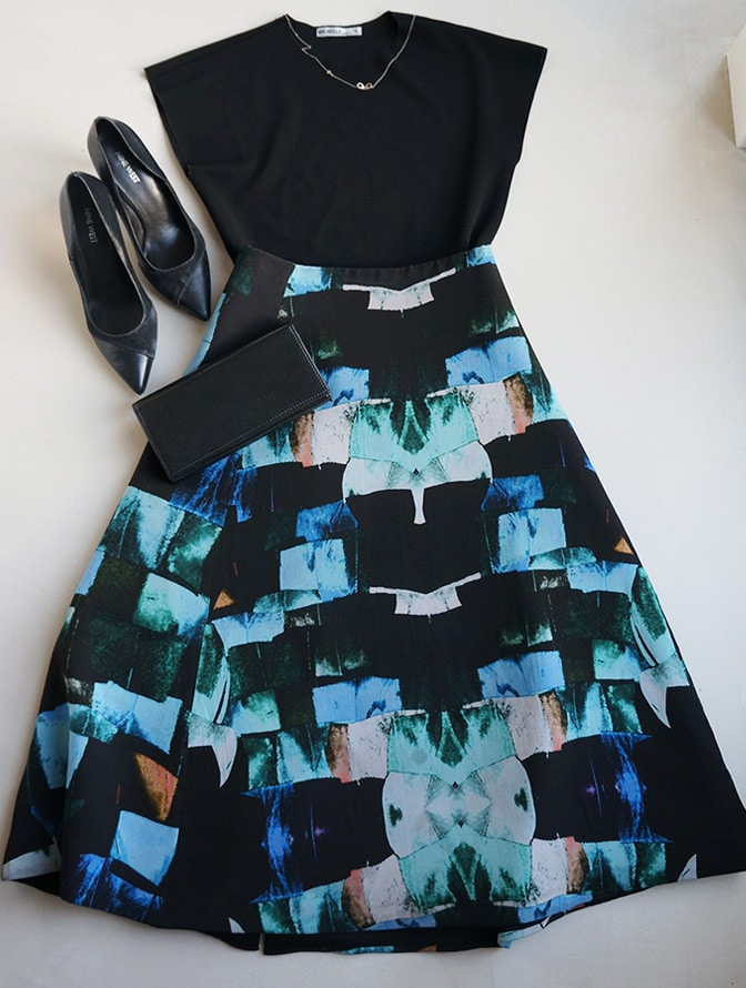 "Flatlay with the black top ""Michelle"" & ""Alexandra Frida"" skirt"