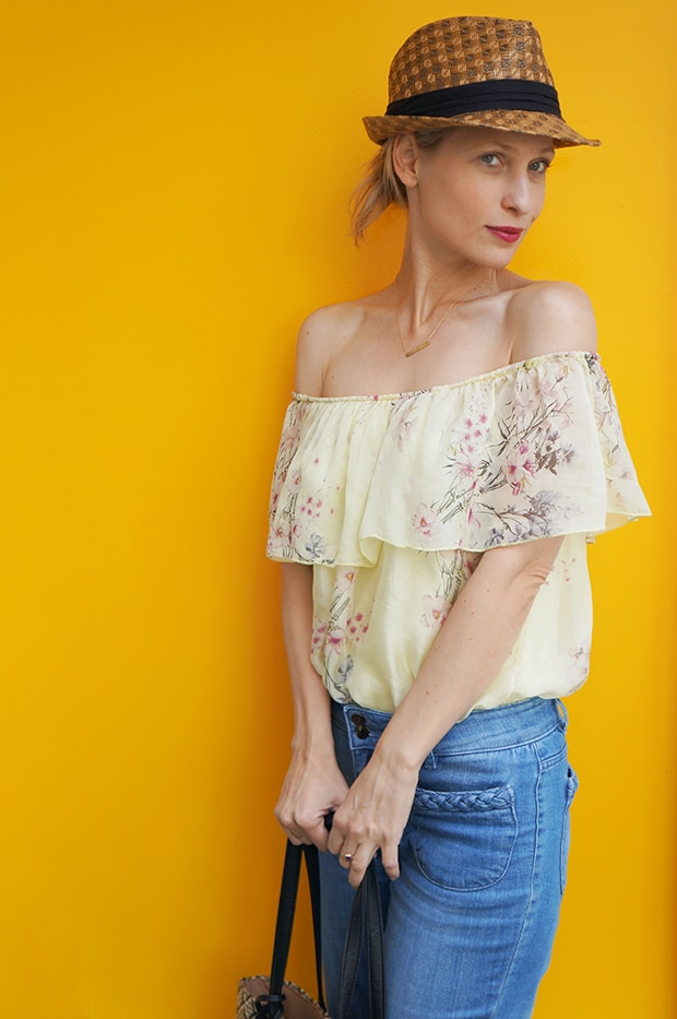 Blue John Baner retro jeans and yellow silk top