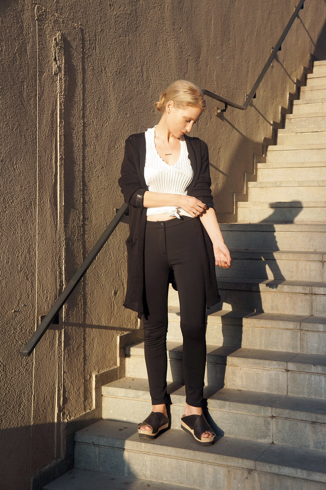 Pleated v-neck shirt and a cardigan by Repelle
