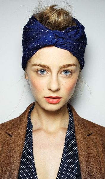 wearing vintage in a modern way: Natural Hair and Makeup