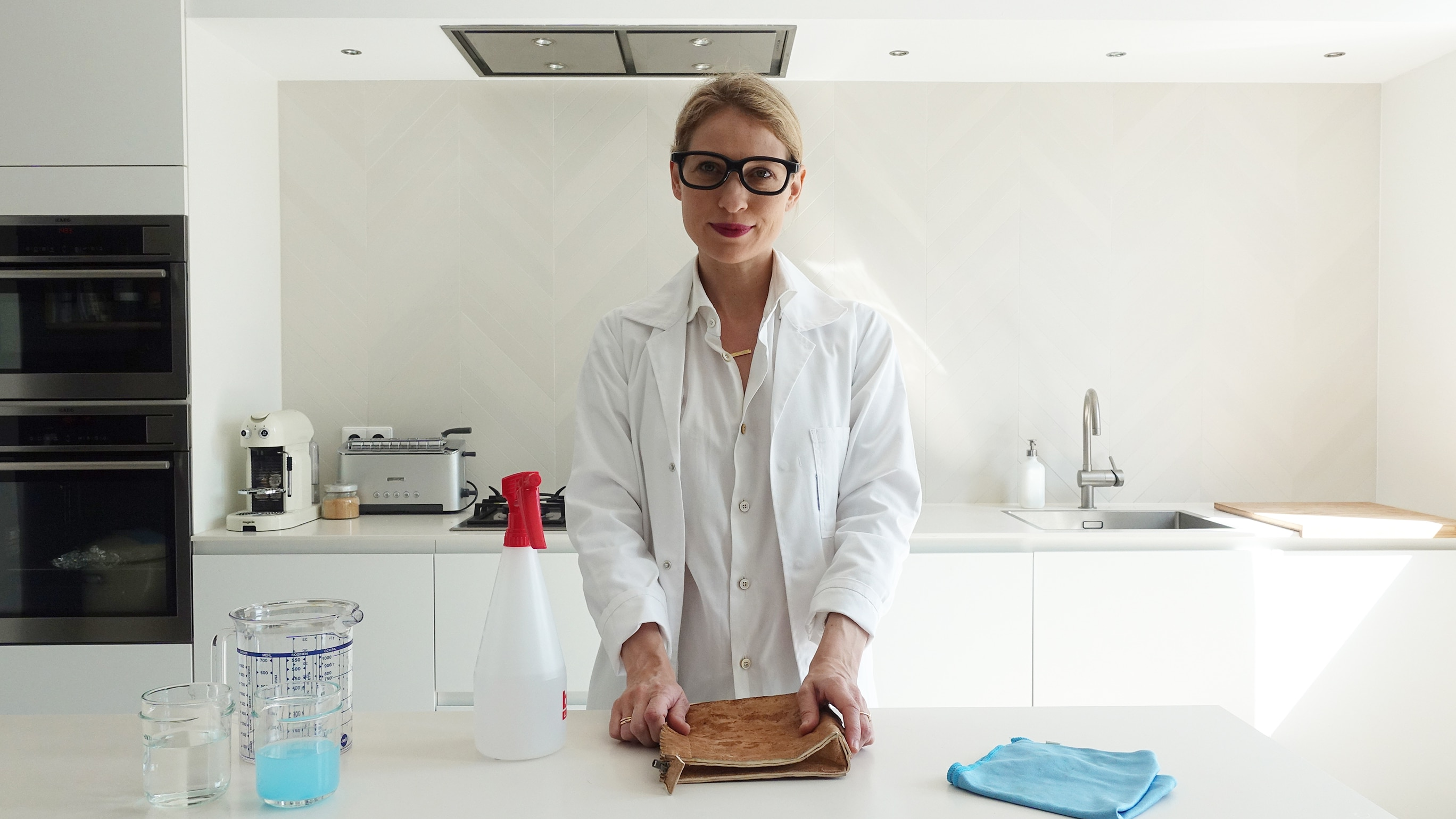"""testing the mycelium bag in my home """"lab"""""""