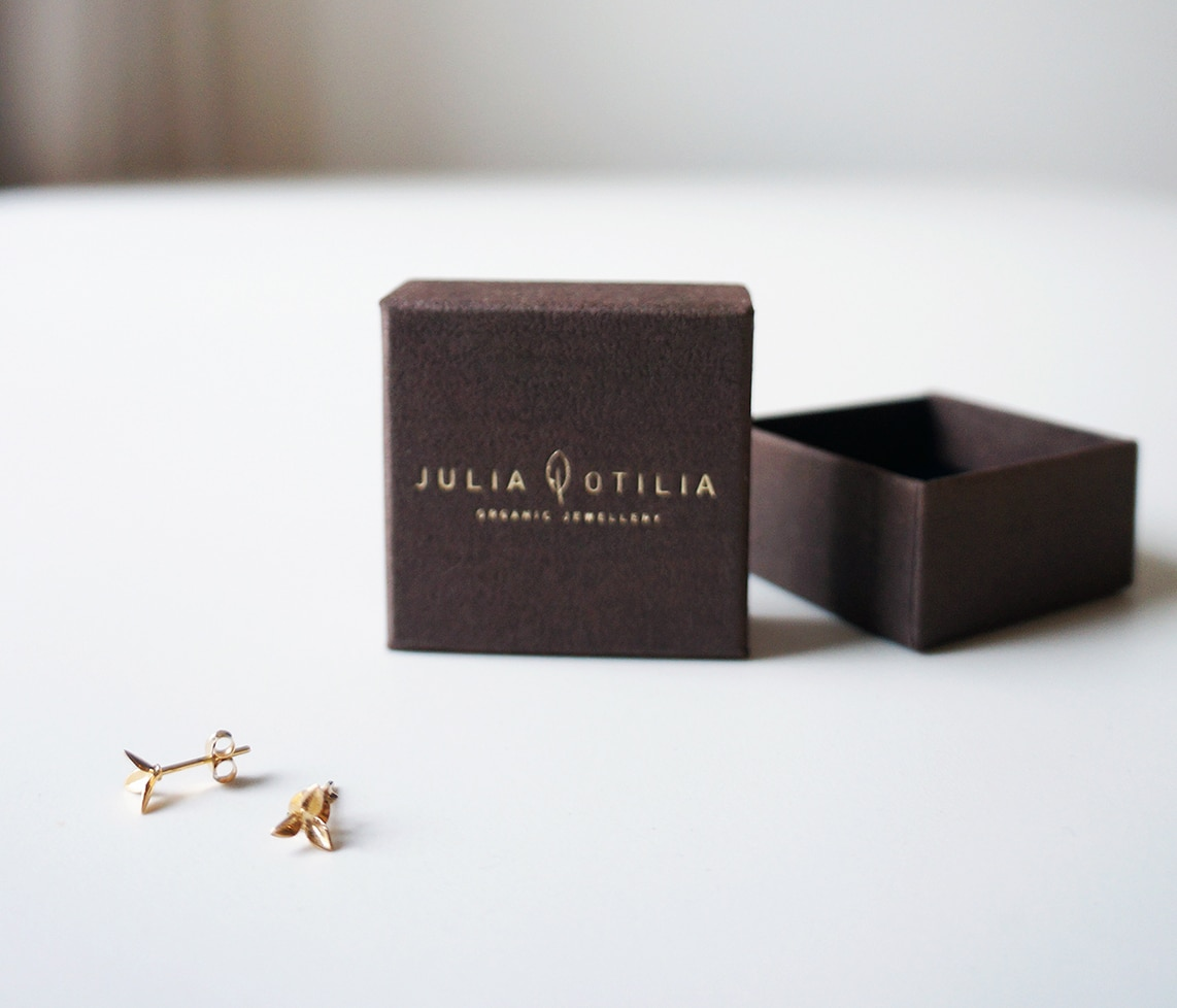 three petal lilies earrings by Julia Otilia
