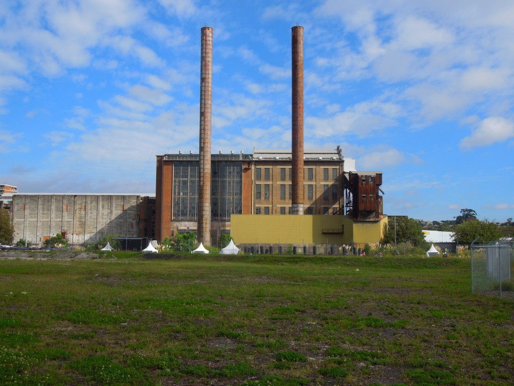 White Bay Power Station and vacant land, April 2015. Photo by Ian Hoskins