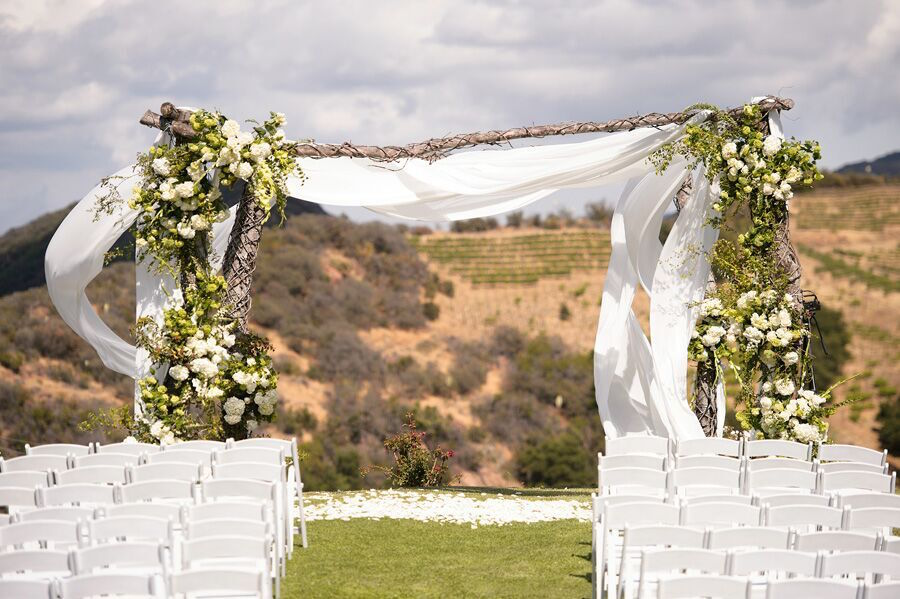 Saddlerock Ranch Wedding.Vibrant Saddlerock Ranch Wedding Premiere Party Rents