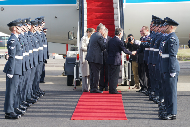 columbian-president-state-visit-stansted-31-10-16-112