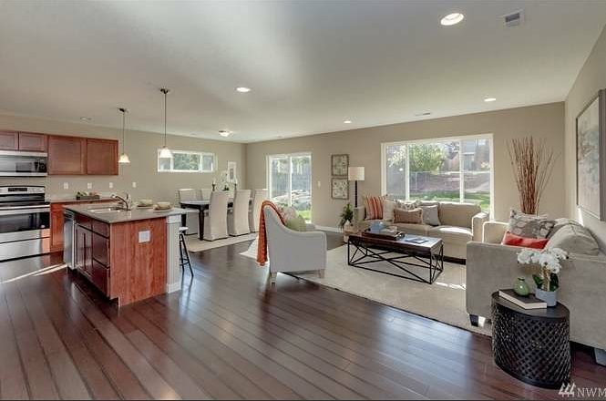 Staged home sell with all the furniture