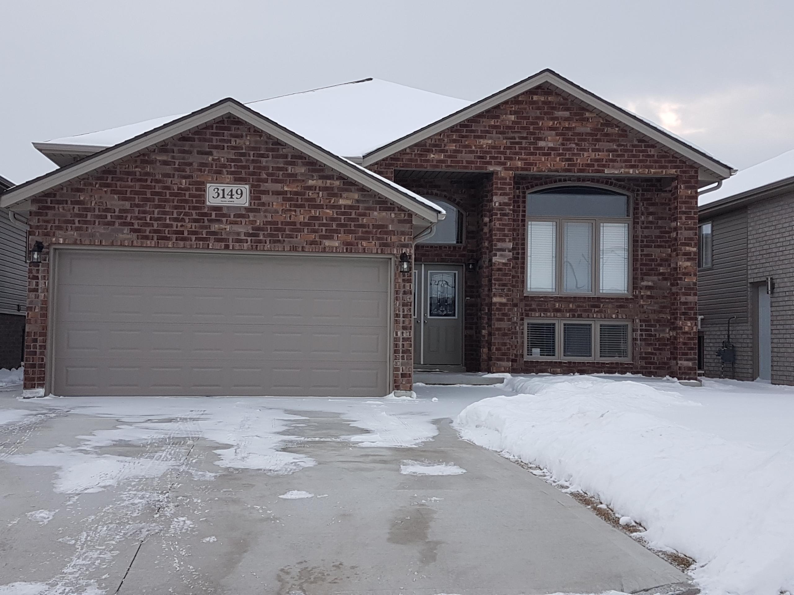 3149 Arpino Ave, Windsor, ON N8N 0A6, Canada