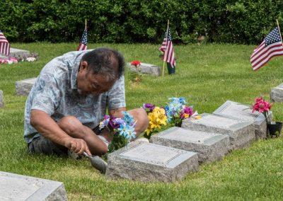 JMAS-Memorial-planting-flowers-#2-0672