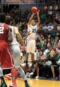 December 23, 2015 - Hawaii Rainbow Warriors guard Aaron Valdes (32) takes a jump shot during action between the #3 ranked Oklahoma Sooners and the Hawaii Rainbow Warriors in the Diamond Head Classic at the Stan Sheriff Center on the campus of the University of Hawaii at Manoa in Honolulu, HI. - Michael Sullivan/CSM