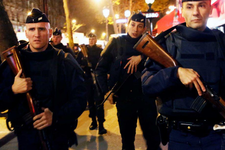 Paris police swat