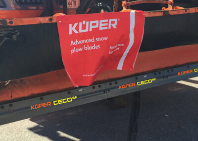 Ceramic core snowplow blades