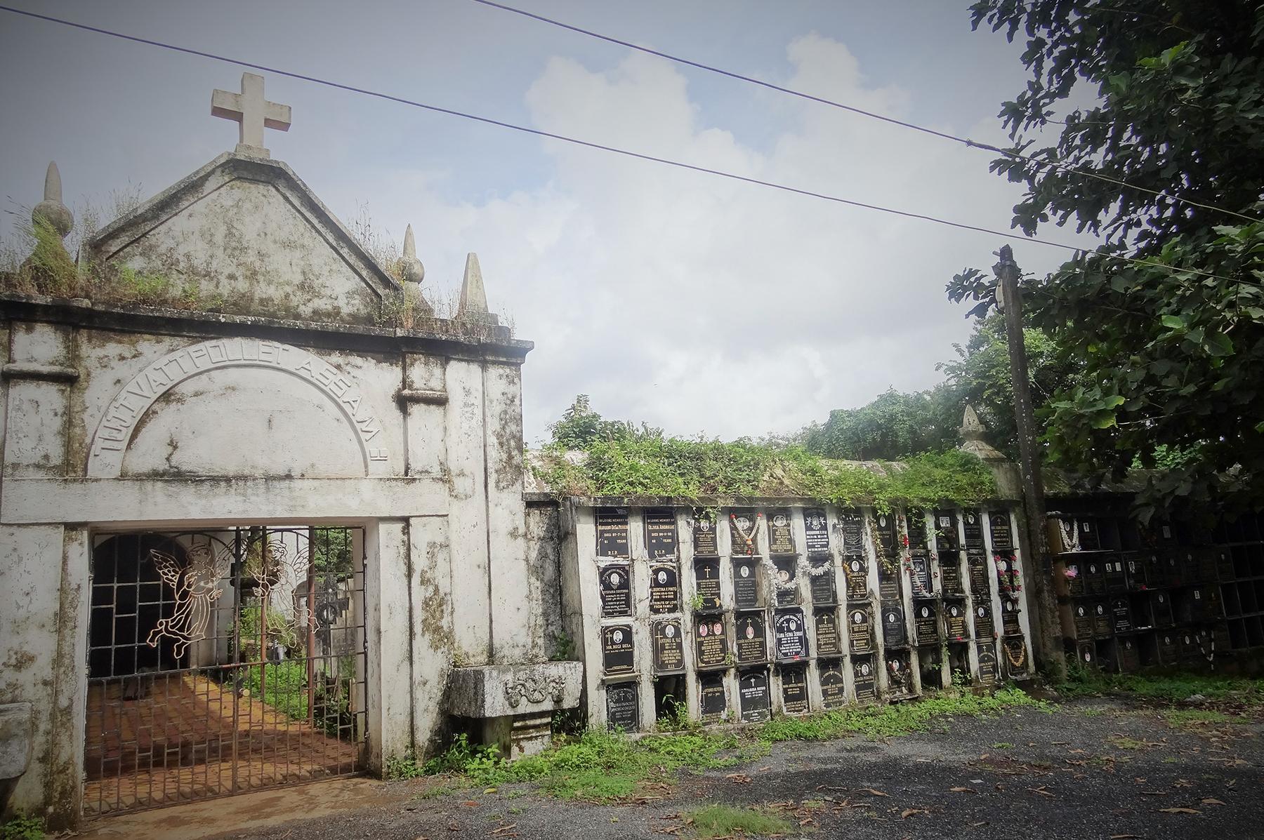 Divar Island Tour St Matias Cemetary
