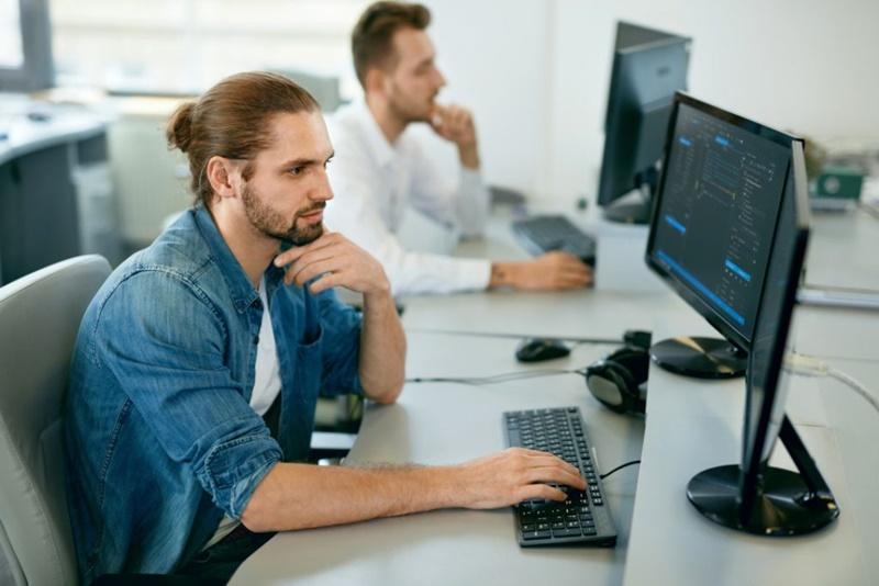 As vantagens da alocação e  terceirização de profissionais de TI