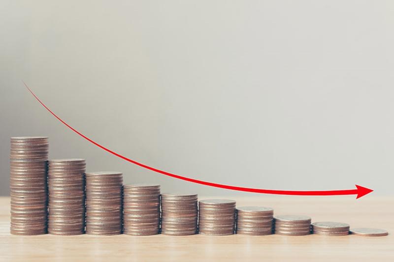 Alocação de profissionais de TI na redução de custos.