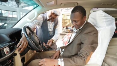Photo of President Uhuru Lookalike  Awarded With A Deluxe Car