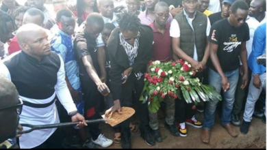 Photo of Photos From Comedian Othoul Othoul's Burial