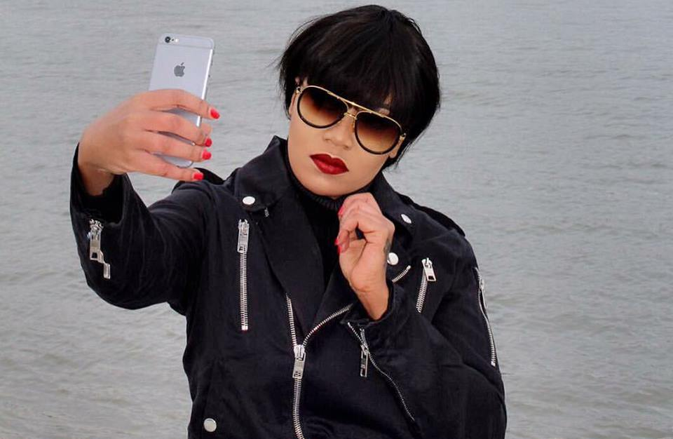 Photo of 7 Tricks To Take Awesome Selfies In All The Photos