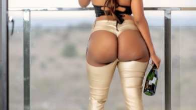Photo of Amber Ray Strutting Curves In Booty-less Pants