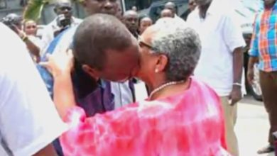 Photo of 10 Public Moments Uhuru And Margret Have Fallen In Love