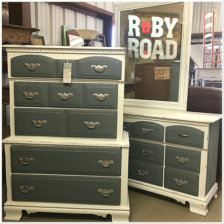 Shopping at at Ruby Road Vintage Mall is a good reflection on you. Check out 60+...